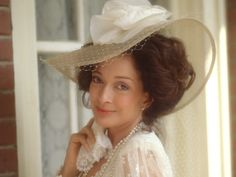 13 of Julia Sugarbaker's Best Takedowns on <em>Designing Women</em> | Here's why you never cross a Sugarbaker woman.
