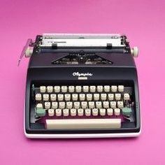 Black and white Olympia Monica typewriter. Working Typewriter For Sale, Antique Typewriter, Vintage Typewriters, Vintage Room, Retro Home Decor, Retro Furniture, Beautiful Interiors, Interior Decorating, Design Web