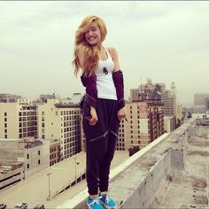 Chachi Gonzales how dose she not fall! Cute Tomboy Outfits, Hip Hop Outfits, Chachi Gonzales, Dance Photography, Model Pictures, Celebs, Celebrities, Pretty Woman, Teen Fashion