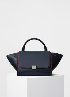 Spring / Summer Collection 2017 - Small Trapeze Handbag in Smooth Calfskin with Piping | セリーヌについて