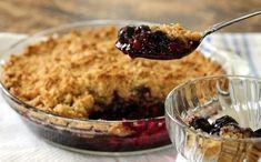 Smuldrepai med blåbær og havregryn Norwegian Food, Pudding Desserts, Sweets Cake, Pavlova, Healthy Desserts, Nom Nom, Oatmeal, Clean Eating, Food And Drink