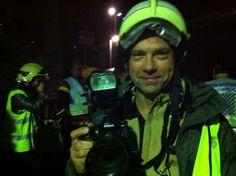 Patrick Martin, photographe, immortalisé lors d'un exercice de pompiers au petit matin sur la Riviera. Photo: Flavienne Wahli Di Matteo Photos, Fire Department, Exercise, Photography, Cake Smash Pictures