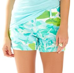 Shop Women's Lilly Pulitzer Blue White size 2 Shorts at a discounted price at Poshmark. Description: Lilly Pulitzer Callahan shorts in First Impressions Blue. Preppy Style, My Style, Cool Outfits, Summer Outfits, Blue Shorts, Chic, Spring Summer Fashion, Lilly Pulitzer, Fashion Design