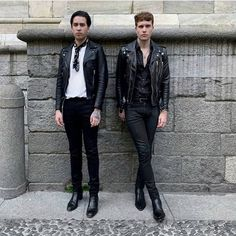 Image may contain: 2 people, people standing and shoes Brown Leather Jacket Men, Classic Leather Jacket, Leather Jacket Outfits, Vintage Leather Jacket, Leather Jackets, Leather Men, Pink Leather, Rock Style Men, Biker Style
