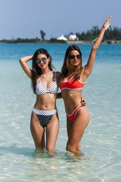 Victoria Justice and Madison Reed in Bikini - Revolve Summer Even in Bermuda Madison Grace, Madison Reed, Kira Kosarin, Victoria Justice Sister, Hot Bikini, Bikini Girls, Bikini 2018, Thing 1, Bikinis
