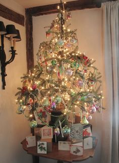 Wonderful vintage Christmas tree...Eddie Ross 2009