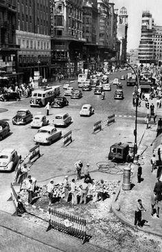 'Gran Vía esquina con Hortaleza', Madrid, 1956 / Photo by Manuel Urech