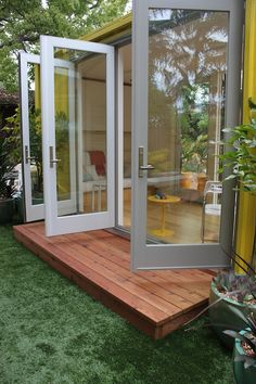 Sunset Magazine Idea House 2011 - love the glass doors
