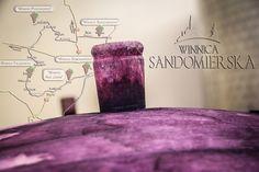 Jeżeli tylko będziecie chcieli wykorzystać ostatnie sierpniowe lub wczesnojesienne wrześniowe weekendy, aby wyskoczyć gdzieś na dwa - trzy dni, to zachęcam Was do odwiedzenia Sandomierskiego Szlaku Winiarskiego, gdzie wokół tysiącletniego Wzgórza Staromiejskiego (Sandomierza) zlokalizowane są nasze polskie, autorskie winnice.