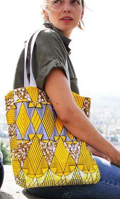 Le modèle Nlongkak en petit, pagne 100% coton, en édition limitée /50.