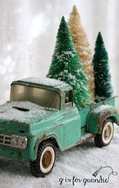 I'll have a blue Christmas. This year I'm having a blue Christmas, aqua blue that is. It's one of my favorite colors, so why not use it for Christmas too? My friend/co-worker/Carriage House sale partner Sue gave … Christmas Truck, Noel Christmas, Green Christmas, Primitive Christmas, Country Christmas, Winter Christmas, Christmas Ideas, Christmas Mantles, Xmas