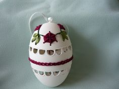 Embrodiered goose egg