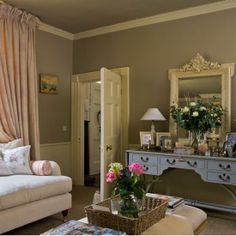 Shabby Chic Interiors: Salotto chic- Very feminine! Shabby Chic Interiors: Salotto chic--- Very feminine! - Shabby Chic Interiors: Salotto chic- Very feminine! Shabby Chic Interiors: Salotto chic--- Very feminine! Shabby Home, Shabby Chic Kitchen, Shabby Chic Homes, Shabby Chic Decor, Shabby Chic Interiors, Shabby Chic Bedrooms, Colorful Interiors, Style Salon, Living Room Styles