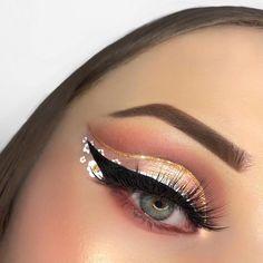 Golden Heart, Fake Lashes, The Make, Makeup Inspiration, White Flowers, Septum Ring, New Look, Makeup Looks, Eye Makeup