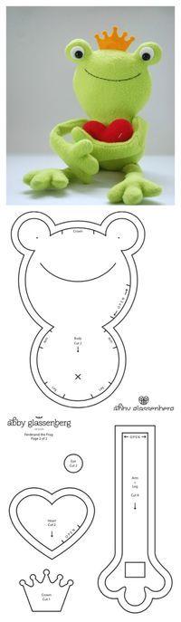 Free Pattern: Ferdinand the Frog - whileshenaps.com