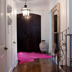 Designer @sallywheat sure can pop the unexpected! Pink hide rug in this entry? Wow! #IDCDesigners