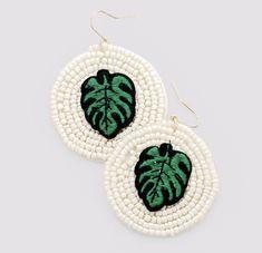 Statement Earrings, Dangle Earrings, Crochet Earrings, Heart Shaped Earrings, Circle Necklace, Instagram Shop, Beautiful Necklaces, Earrings Handmade, Heart Shapes