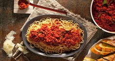Spaghetti Bolognese - always in search of the best one - this might be it. Beef Dishes, Pasta Dishes, Pasta Sauces, Beef Recipes, Cooking Recipes, Savoury Recipes, Cooking Ideas, Food Ideas