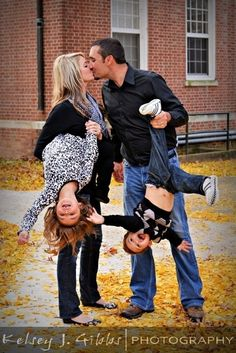 Just a cute family photo! via blogspot
