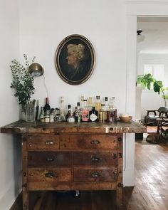 Bar cabinet # apartment industrial style - Wohnung - Deco Home Bar Furniture, Design Furniture, Vintage Furniture, Garden Furniture, Furniture Plans, Decor Vintage, Rooms Furniture, Apartment Furniture, Furniture Makeover