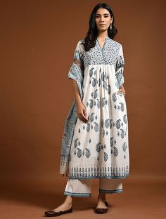Discover recipes, home ideas, style inspiration and other ideas to try. Ethnic Wear Designer, Indian Designer Outfits, Designer Dresses, Khadi Kurta, Shalwar Kameez, Churidar, Salwar Suits, Printed Kurti Designs, Pakistani Dress Design