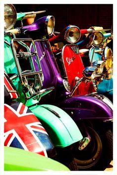 United Colours of Vespa by shutupyourface Piaggio Vespa, Lambretta Scooter, Vespa Scooters, Vintage Vespa, Vintage Italy, Vintage Cars, Vespa Girl, Scooter Girl, Fiat 500