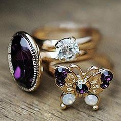 Color: Purple and gold tone