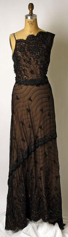 Dress Richard Tyler  (American, born Australia, 1948)   Date: 1990s Culture: American Medium: silk. Front