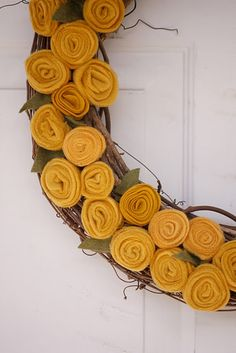 I did this wreath in mustard yellow felt as well! I love working with felt!