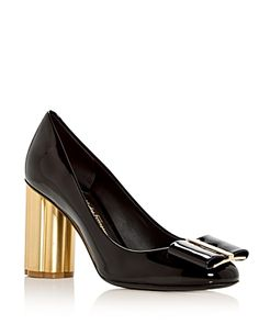 SALVATORE FERRAGAMO WOMEN'S PATENT LEATHER FLOWER HEEL PUMPS. #salvatoreferragamo #shoes #