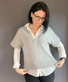 Enkel V-Vest - 10 - 2020 - Design by Marte Helgetun Hand Crafts, 2020 Design, Macrame, Vest, Tunic Tops, Pullover, Sweaters, Women, Fashion
