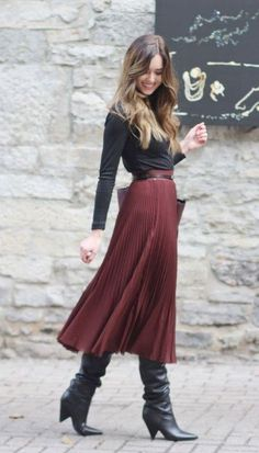 Midi Skirt Outfit, Winter Skirt Outfit, Pleated Midi Skirt, Skirt Outfits, Skirt Belt, Midi Skirts, Winter Midi Skirt, Dresses In Winter, Winter Outfits