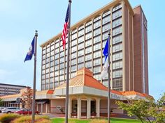 Springfield (VA) Hilton Springfield  United States, North America The 3.5-star Hilton Springfield offers comfort and convenience whether you're on business or holiday in Springfield (VA). The hotel offers guests a range of services and amenities designed to provide comfort and convenience. 24-hour front desk, facilities for disabled guests, express check-in/check-out, luggage storage, Wi-Fi in public areas are just some of the facilities on offer. Guestrooms are fitted with al...