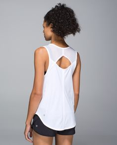 When it's time to pump some iron, this is our go-to tank. The back cut-out gives us freedom to lift and the straps fit over our favourite straight strap bra.  When the mercury rises, added Mesh panels help us keep our cool. Like Arnie, we'll be back... to the gym, that is.