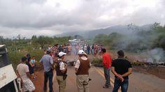 NONATO NOTÍCIAS: Pindobaçu.População revoltada com a falta d'água b...