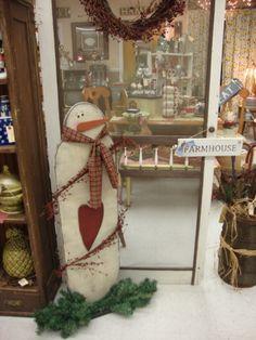 Primitive snowman <3 at Fine and Dandelion, LLC.! LIKE us on Facebook!