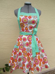 Retro Style Apron.. i need to learn to sew
