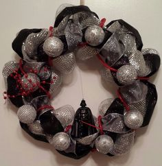 Darth Vader Star Wars Inspired Wreath - Star Wars Rings - Ideas of Star Wars Rings - Darth Vader Star Wars Inspired Wreath Star Wars Halloween, Star Wars Christmas, Kids Christmas, Christmas Crafts, Christmas Decorations, Star Wars Crafts, Star Wars Decor, Star Wars Ring, Disney Wreath