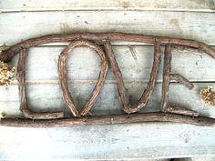 grapevine crafts - Yahoo Image Search Results Twig Crafts, Cabin Crafts, Nature Crafts, Home Crafts, Grape Vine Trellis, Grape Vines, Twig Art, Driftwood Art, Driftwood Ideas