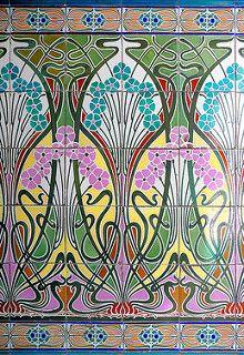 Art nouveau tiles - Barcelona - Aribau 106 f - Casa Jaume Forn c. Architecht: Isidre Reventós i Amiguet Motifs Art Nouveau, Azulejos Art Nouveau, Design Art Nouveau, Art Nouveau Tiles, Art Design, Art Nouveau Pattern, Pattern Art, Design Ideas, Architecture Art Nouveau