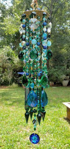 Outdoor art projects for kids wind chimes 51 Ideas Crystal Wind Chimes, Diy Wind Chimes, Nature Crafts, Nature Decor, Art Nature, Garden Crafts, Garden Art, Glass Garden, Garden Ideas