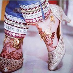 Image may contain: shoes Mehndi Designs Feet, Henna Tattoo Designs, Bridal Mehndi Designs, Back Henna, Foot Henna, Henna Mehndi, Mehendi, Leg Mehndi, Arabian Mehndi Design