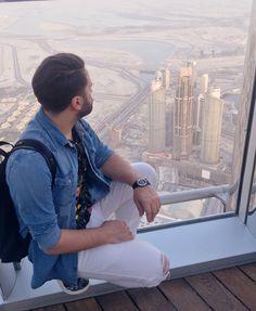 Doctor in vârful lumii 😀 fara rau de înălțime 😇#me #dubai #burjkhalifa #doctorlazarescu #drlazarescu www.doctorlazarescu.ro