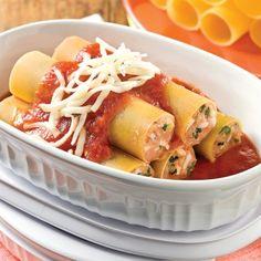 Dans la catégorie petits plats à congeler! Farcir les cannellonis avec une préparation au poulet est une manière intéressante de varier le menu.