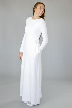 The 25 best Temple dress ideas Modest White Dress, White Long Sleeve Dress, Little White Dresses, Maxi Dress With Sleeves, Modest Outfits, Modest Fashion, Fashion Outfits, White Formal Gowns, Temple Dress