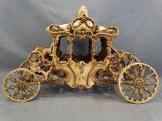 Antique ART DECO Era SLAG GLASS Horse Drawn CORONATION CARRIAGE Cast Iron LAMP
