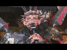 Gwar gives relationship advice. Yes, please.