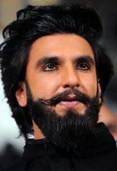 Ranveer Singh shaved off his beard to play younger Alauddin Khilji in Padmavati Ranveer Singh Hairstyle, Ranveer Singh Beard, Indian Bollywood Actors, Bollywood Stars, Bollywood News, Bollywood Celebrities, Bollywood Actress, Indian Beard Style, Beard Images