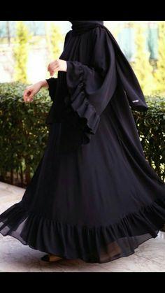 Abaya Style 137641332347235379 - Source by yetenekmeselesi Burka Fashion, Modest Fashion Hijab, Modern Hijab Fashion, Iranian Women Fashion, Frock Fashion, Moslem Fashion, Abaya Designs, Burqa Designs, Abaya Mode
