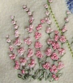 Wonderful Ribbon Embroidery Flowers by Hand Ideas. Enchanting Ribbon Embroidery Flowers by Hand Ideas. Brazilian Embroidery Stitches, French Knot Embroidery, Embroidery Stitches Tutorial, Embroidery Flowers Pattern, Sewing Stitches, Silk Ribbon Embroidery, Crewel Embroidery, Hand Embroidery Designs, Embroidery Techniques